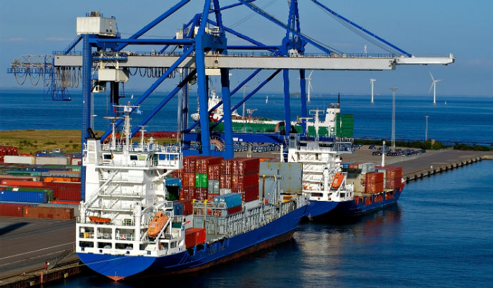 container ship 700x410